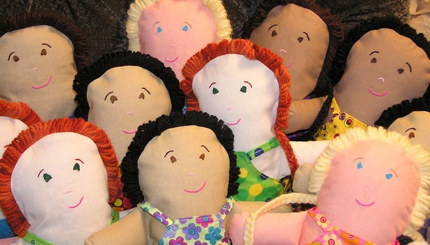 Dolls made using the pancake method.  Primitive dolls are made using similar techniques.