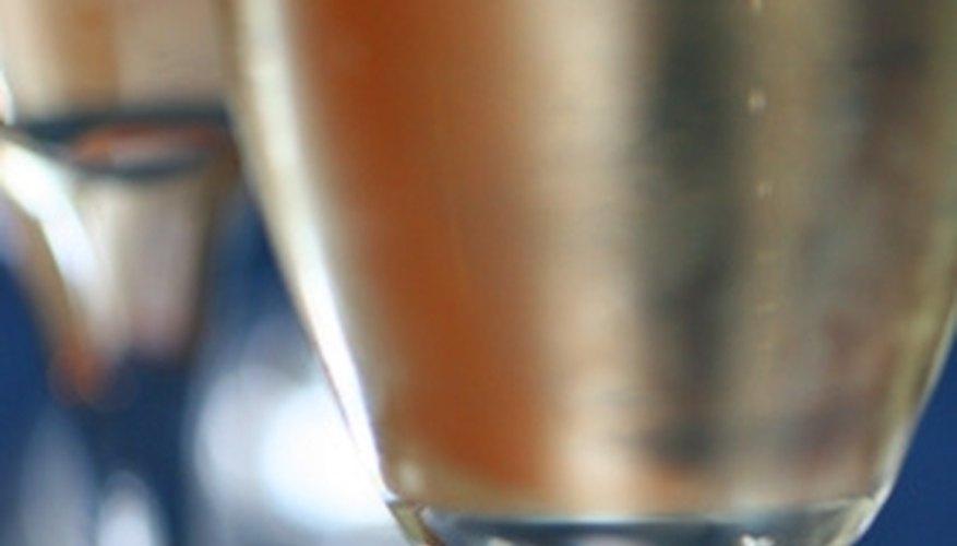 Enjoy a romantic champagne toast at the Cincinnatian Hotel.