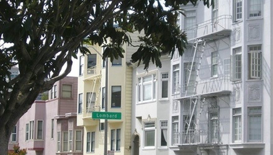 San Francisco offers a number of romantic options