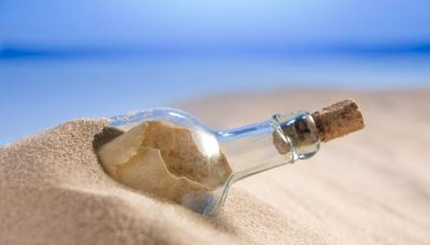 A message in a bottle is a romantic gift.