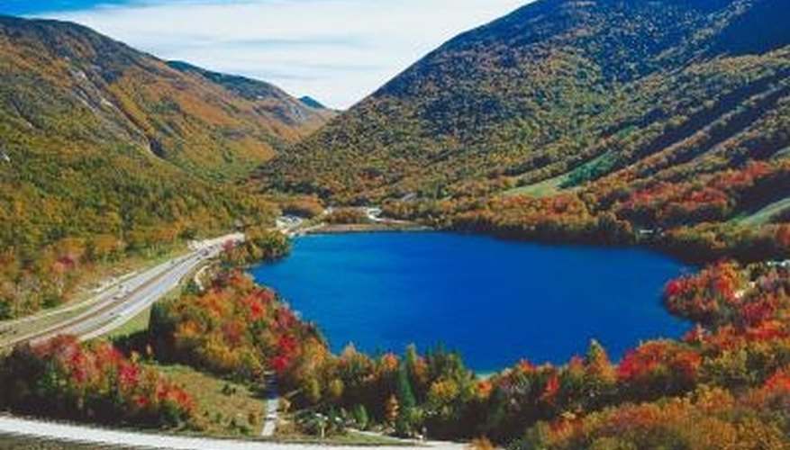 Catch New Hampshire's fall foliage on a romantic weekend.