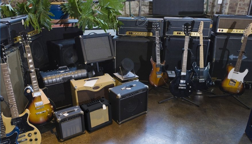 Clean a Guitar Amplifier