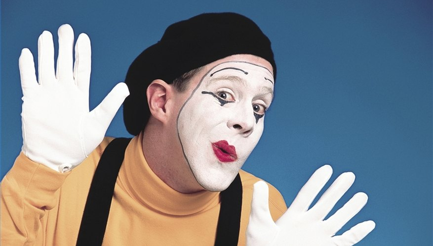 Apply Mime Makeup