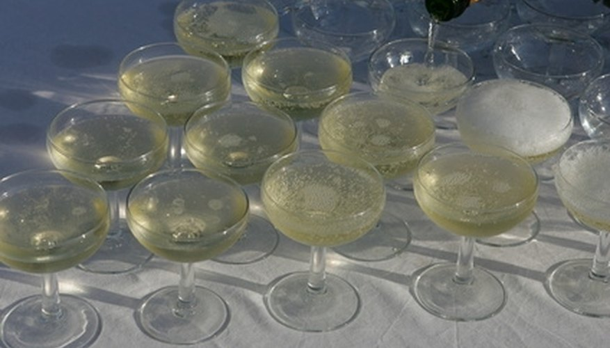 Give a Wedding Anniversary Party Toast