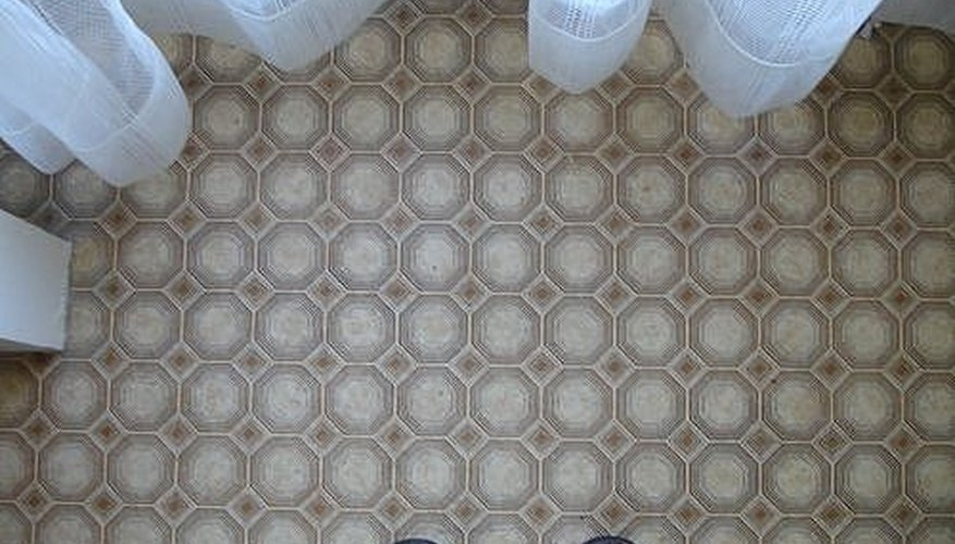 How to Repair Linoleum Floors | HomeSteady