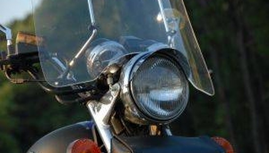 How to Clean a Plexiglas Windshield on a Motorcycle