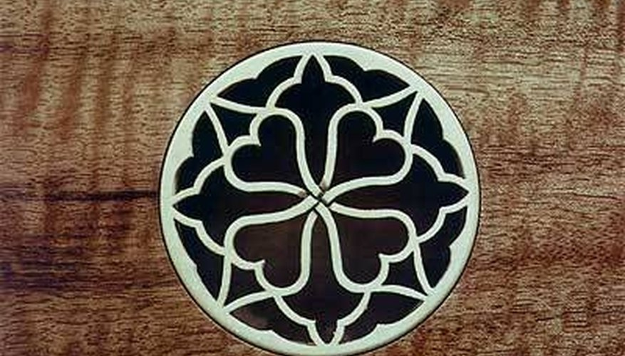 A decorative soundhole rosette