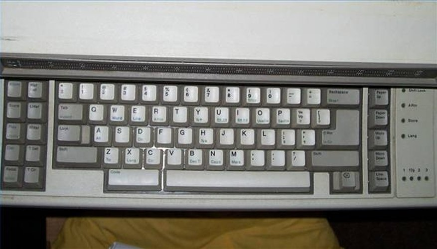 An IBM Wheelwriter keyboard looks like a PC--and operates much the same.