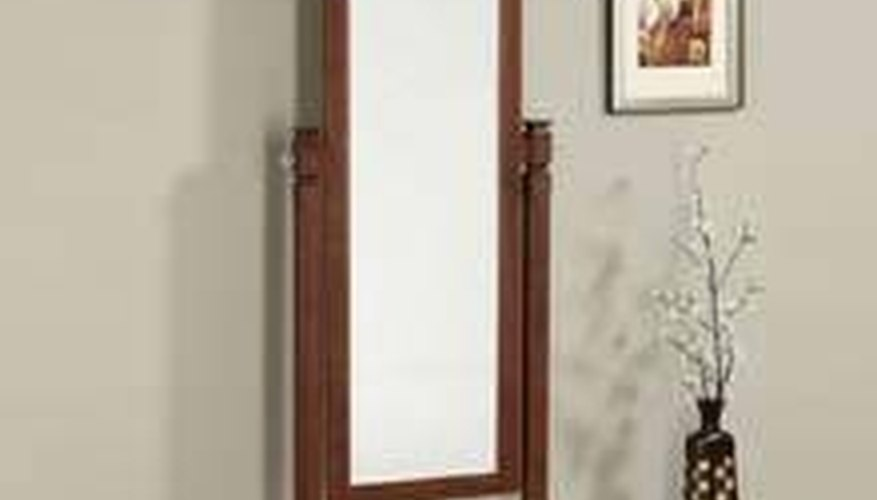 What Is a Cheval Mirror?
