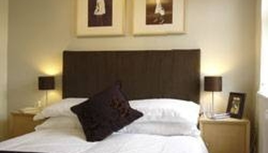 http://www.property-coach.co.uk/home-and-property-information/decorating-techniques-and-advice/how-to-make-a-headboard.htm
