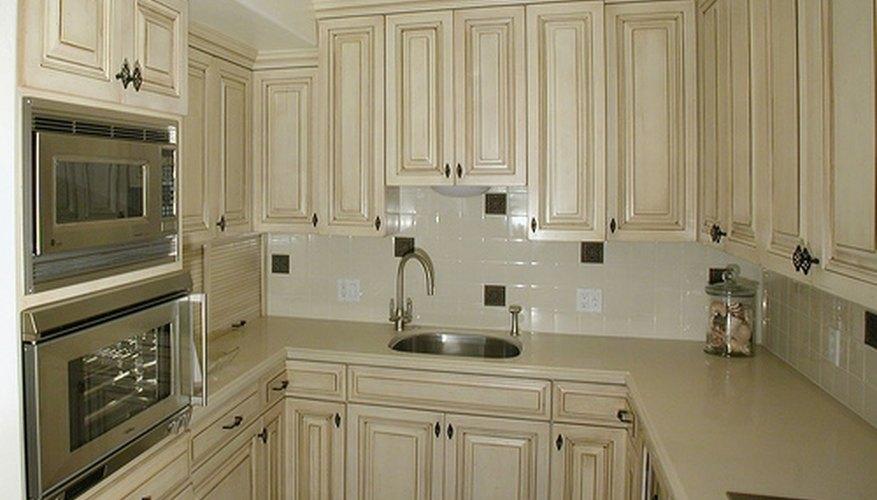 Solid Vs. Veneer Cabinet Doors