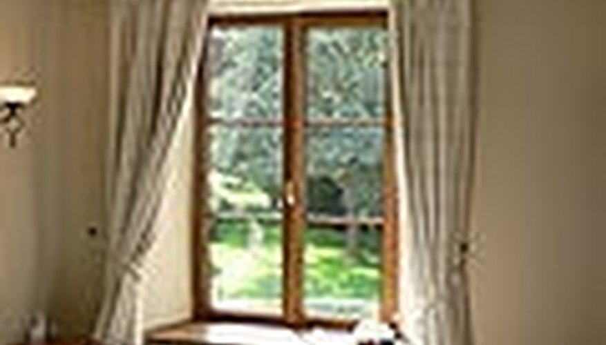 Window Treatment With Drapes