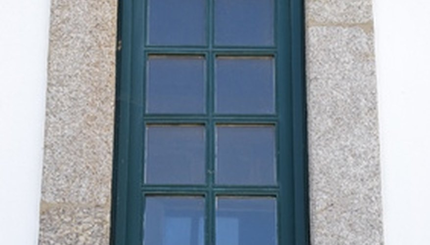 Restoring old vinyl windows is easy and quick.