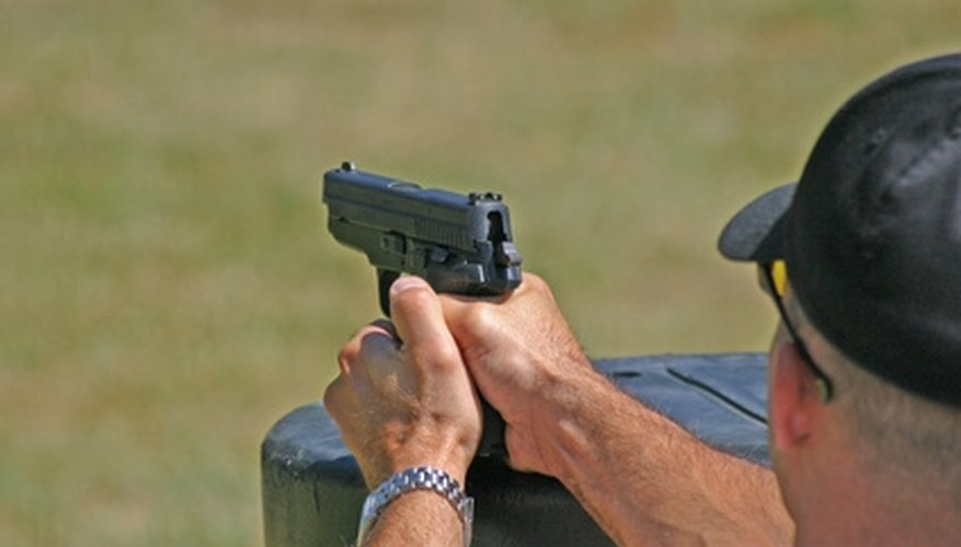 How to Shoot a Glock 22 With Accuracy
