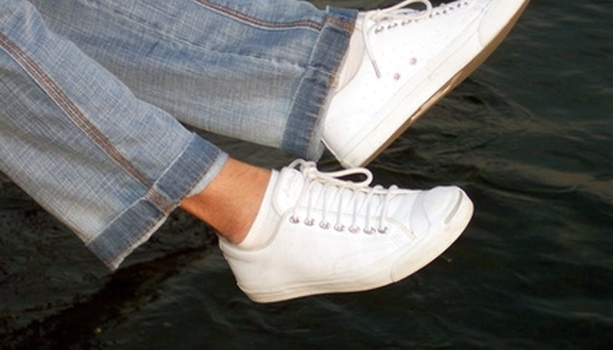 Vans is a popular brand of skate shoes.