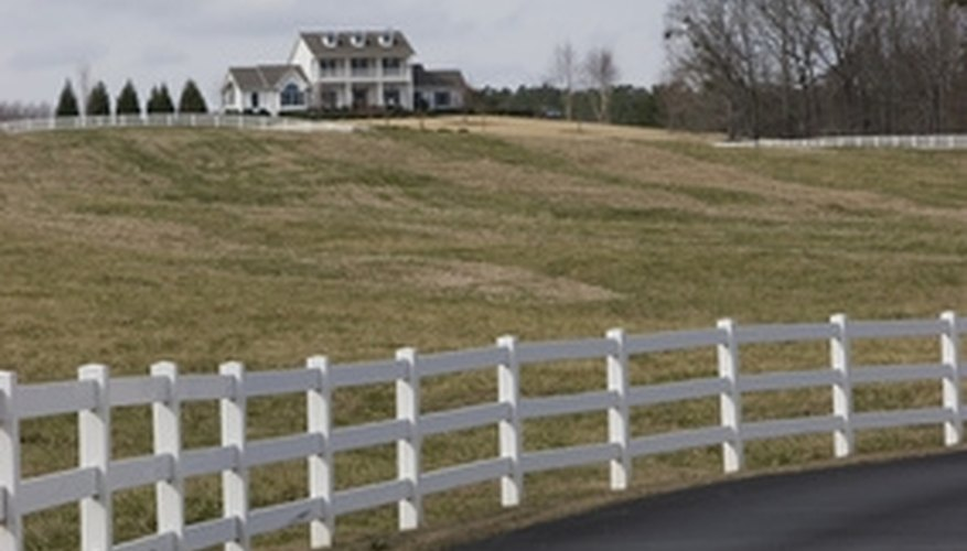 There are a number of general rules about building fences along driveways.