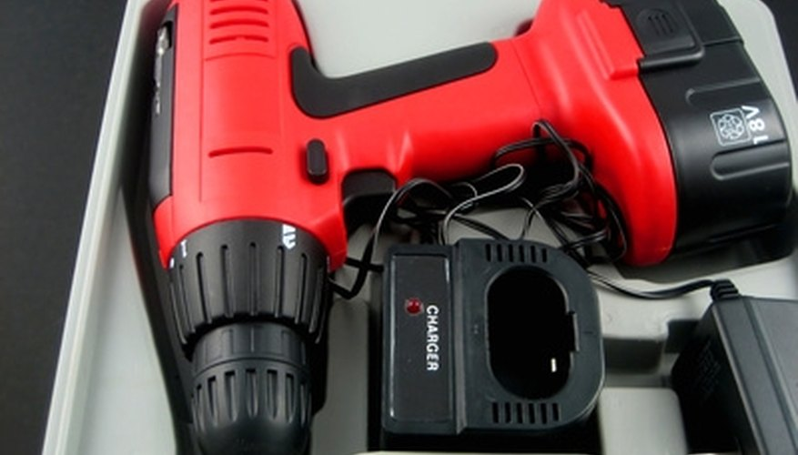 Battery powered drill/driver