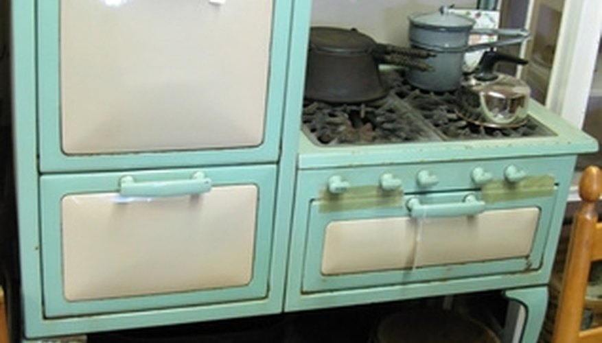 Homeowners often buy antique gas stoves for kitchens with a 1940s or '50s decor.
