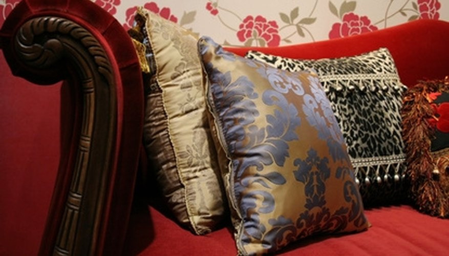 Piping gives cushions a finished edge.