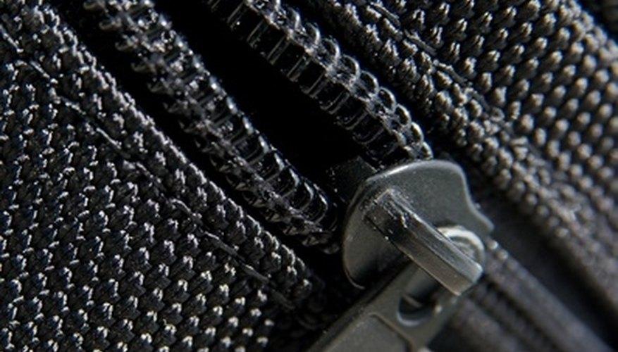 A screen gazebo can be closed by closing the zipper.