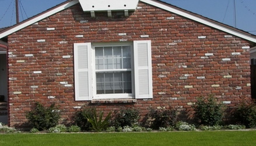 Ranch homes often have shutters.