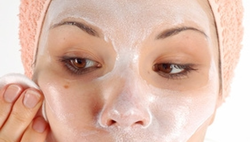 Try these home remedies to fade and rid your skin of unwanted freckles.