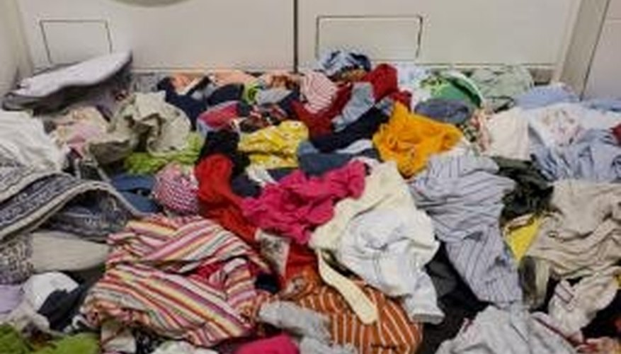 Maytag claims their Atlantis series can handle large amounts of laundry like this.