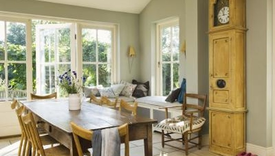 Build a Country-Style Kitchen Table