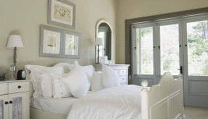 Create a checklist when decorating a bedroom.