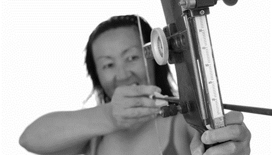 How to Tell the Difference in Right & Left Hand Compound Bows