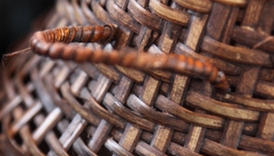 Paint your rattan items to give them a natural appearance.