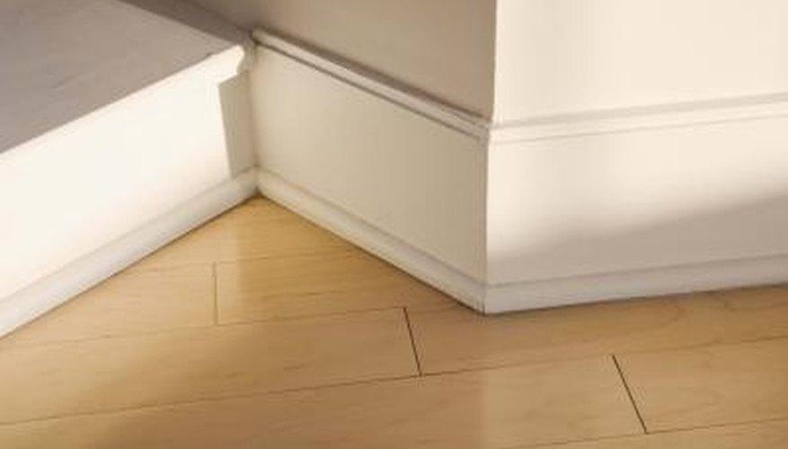 Repair Gaps in Molding