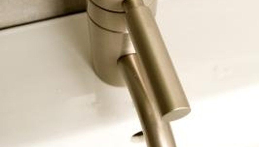 Some single-handle faucets come without a base plate.