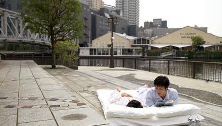 There are several differences between a Japanese futon mattress and a futon.