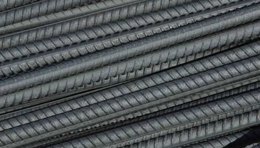 Stainless steel rods resist oxidation to maintain both their appearance and function.