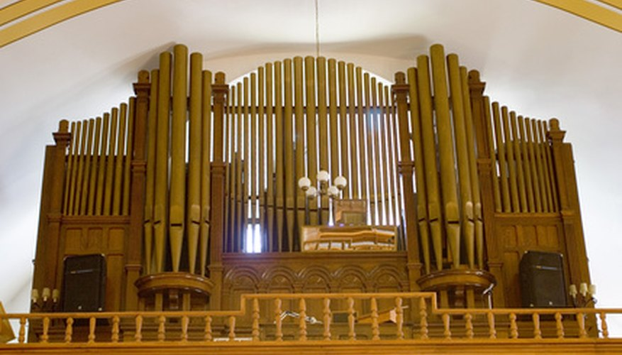 Conn brand organs are well-known by collectors for their realistic pipe organ tone.
