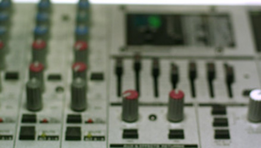 A DBX compressor and a mixer provide a clean sound in any application.