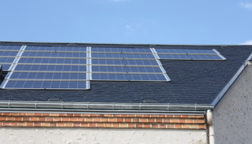 Roof-mounted solar panels require GFIs.