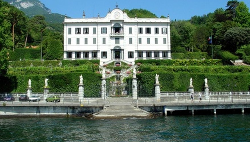 Italian villas are found in various shades of white.