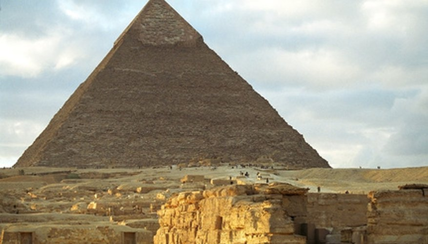 Handsaws may have been used to build the pyramids.