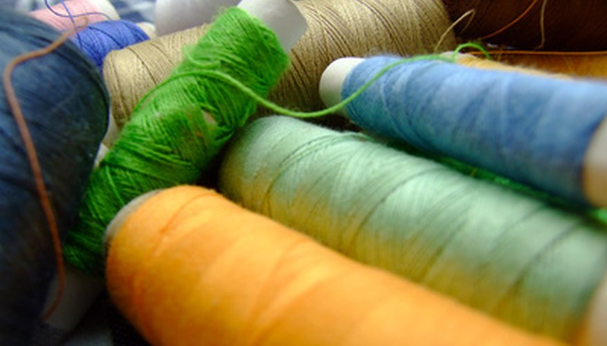 Wool yarn comes in many colors and thicknesses. Choose a thickness that will best suit the type of decoration you will apply.