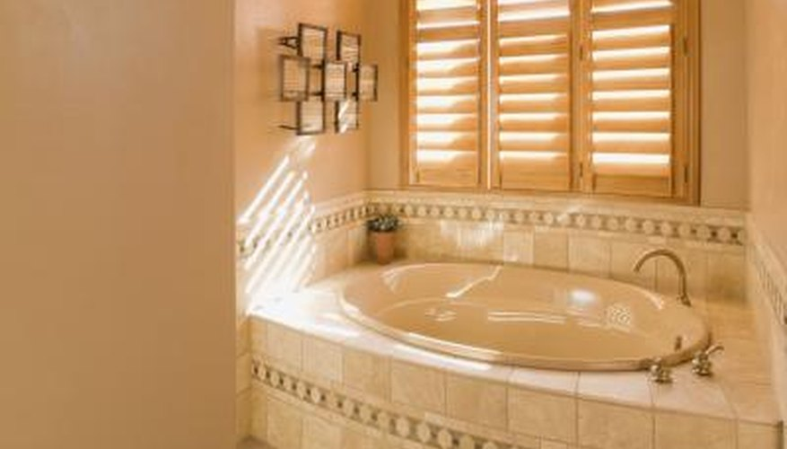 Variations On The DIY Stud Frames May Include Building A Complete Frame  Around The Bathtub.