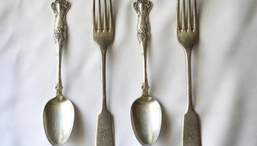 Add another element of surprise to your design with two different styles of silverware.