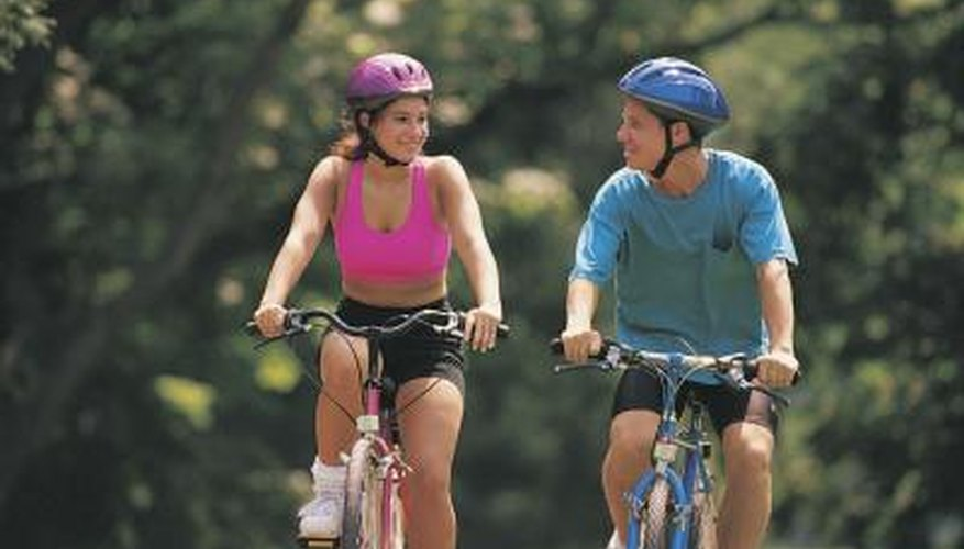 Take your date on a lunchtime bike ride.