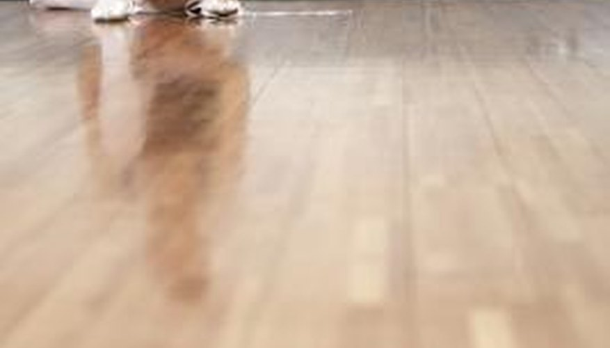 Good application techniques prevent bubbles from marring your varnished floor.