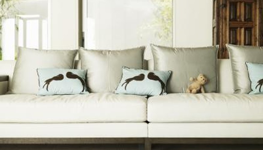 Secure sofa cushions make the whole room look neater.