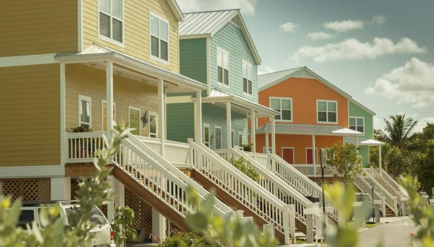 Exterior Paint Color Ideas for Florida | HomeSteady
