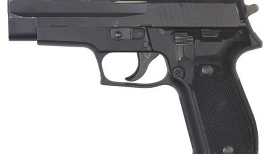 How To Adjust The Rear Sight on a Smith & Wesson M&P