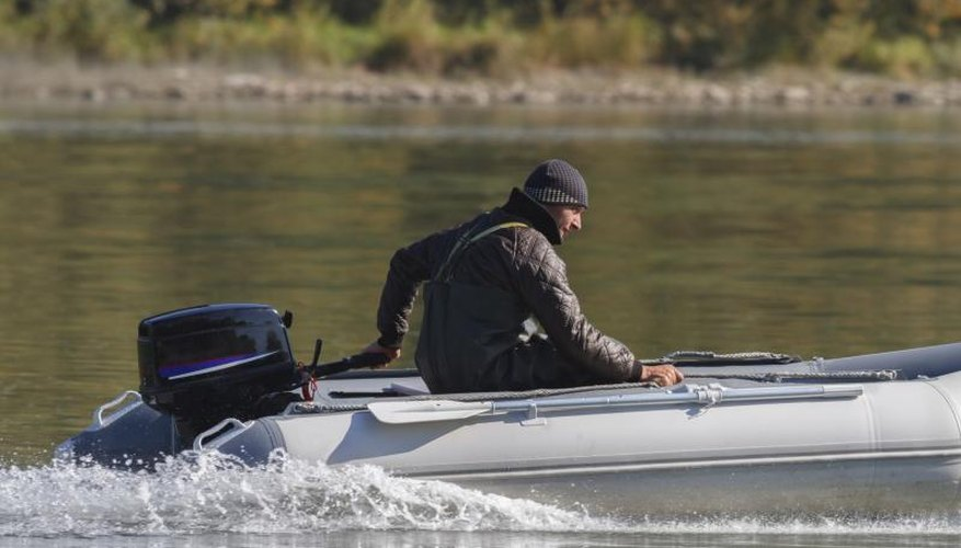 How to Pre-mix Gas & Oil for Outboard Engines