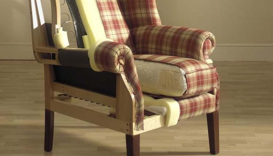 Upholstery includes a series of well-positioned materials.